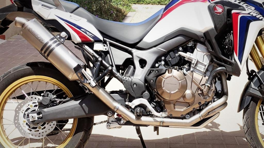 Honda Crf 1000 L Africa Twin Arrow Full Titanium System 72521po After Installation Weight Of Full System Is 3 4kg Stock Honda Exhaust System Is 8 6k Honda Africa Twin Forum